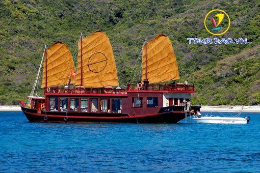 Tour du thuyền EmPeror Cruises